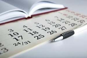 Calendar-with-notebook-and-pen